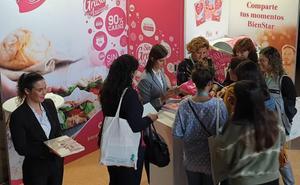eLPOZO BienStar presenta su manual 'La alimentación en la infancia' a los enfermeros de pediatría