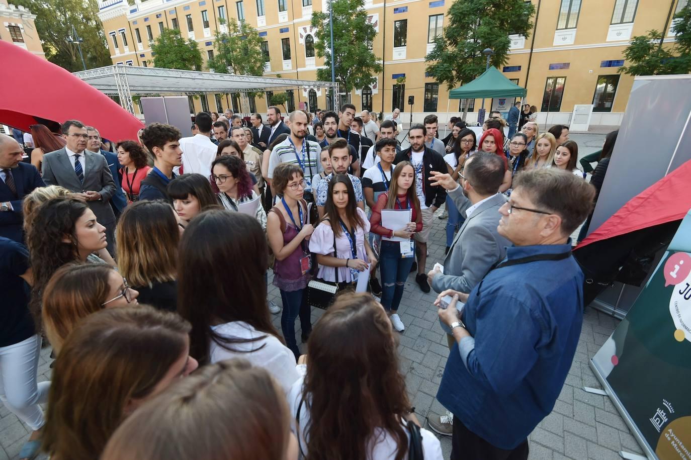 Más de 500 emprendedores y parados se dan cita en la feria 'Murcia Emplea'
