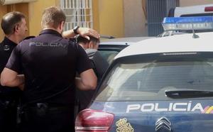 Los vecinos relatan que las peleas entre María Dolores y su presunto asesino eran frecuentes