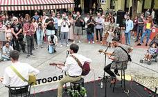 La música joven suena en el centro de la ciudad