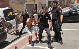 Aplazado para noviembre el juicio a los acusados de golpear y apuñalar a un joven en Lorca