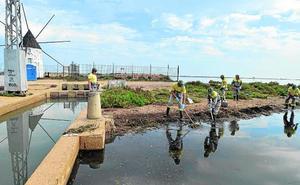 La ministra Ribera señala a la agricultura «insostenible» por la crisis del Mar Menor