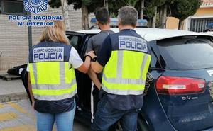 Arrestado por cinco robos con fuerza un delincuente con más de 69 detenciones a su espalda