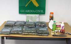 Detienen a dos vecinos de Puerto Lumbreras por controlar un invernadero clandestino de marihuana