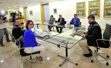 López Miras invita a partidos y ayuntamientos a colaborar en el decreto de protección integral