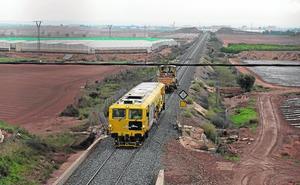 Cartagena recupera el tráfico de trenes con Murcia un mes después de la DANA