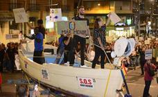 Miles de personas exigen protección para el Mar Menor y ayudas tras las inundaciones