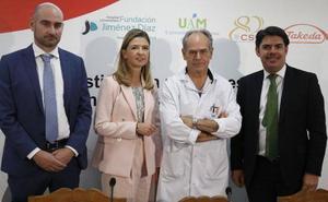 Sanidad financiará el primer fármaco basado en células madre, creado por el murciano García-Olmo