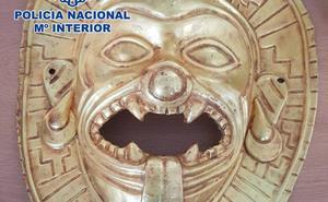 La máscara del narco