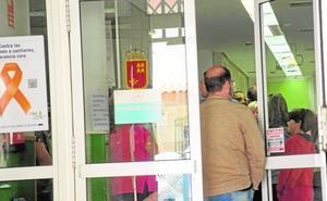 Otras 150 personas se vacunan en San Antón por el brote de hepatitis