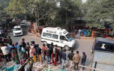 Prenden fuego a una víctima de violación cuando iba a testificar contra su agresor en la India