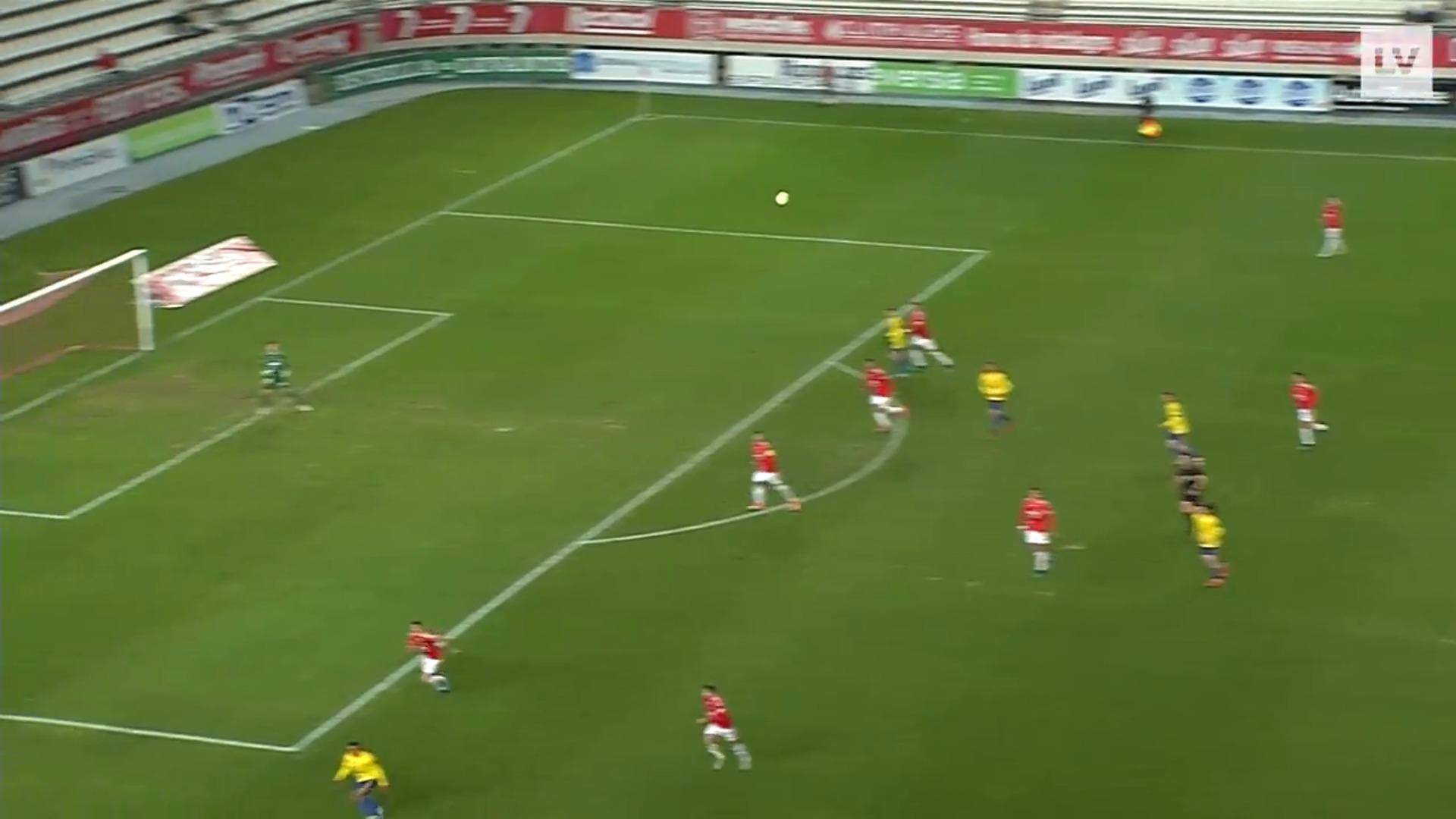 El Real Murcia vence al Cádiz B 3-1