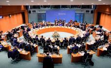 La cumbre sobre Libia acuerda el alto el fuego