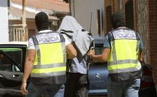 Juzgan a un imán por propagar el ideario yihadista con dinero saudí