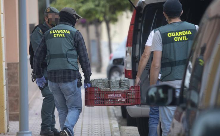 Un clan familiar detenido en una redada contra el tráfico de drogas en el Puerto de Mazarrón