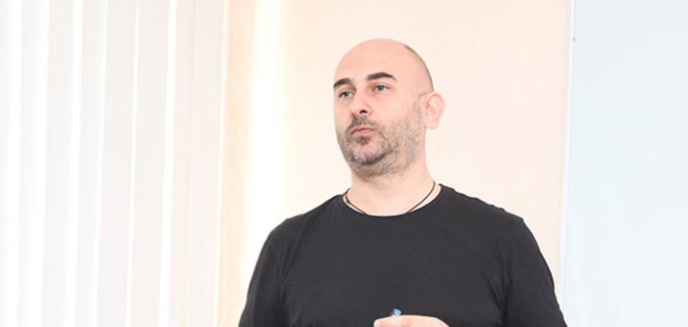 Francisco Haz aborda el escenario postsoviético en `Cartagena...