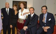 Manolo Blahnik baja la persiana de sus tiendas en España