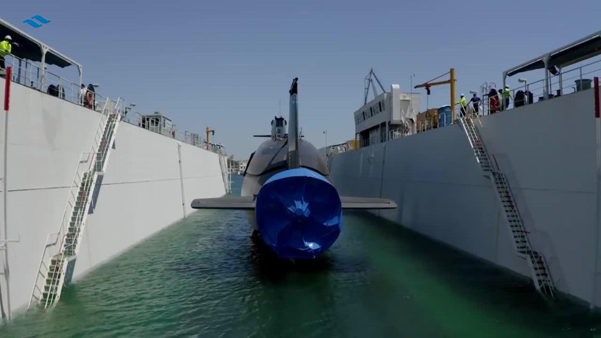 El S-81 'Isaac Peral' ya está a flote y supera las primeras pruebas en el agua