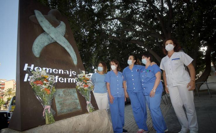 Ofrenda floral en el Día de la Enfermería
