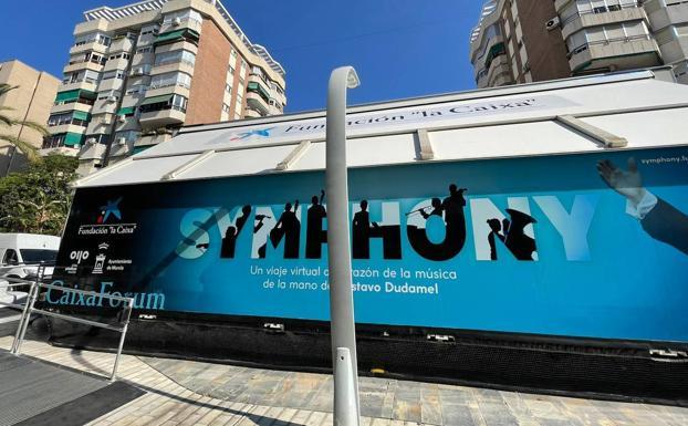 Mobile unit of 'Symphony' on Avenida de la Libertad in Murcia.