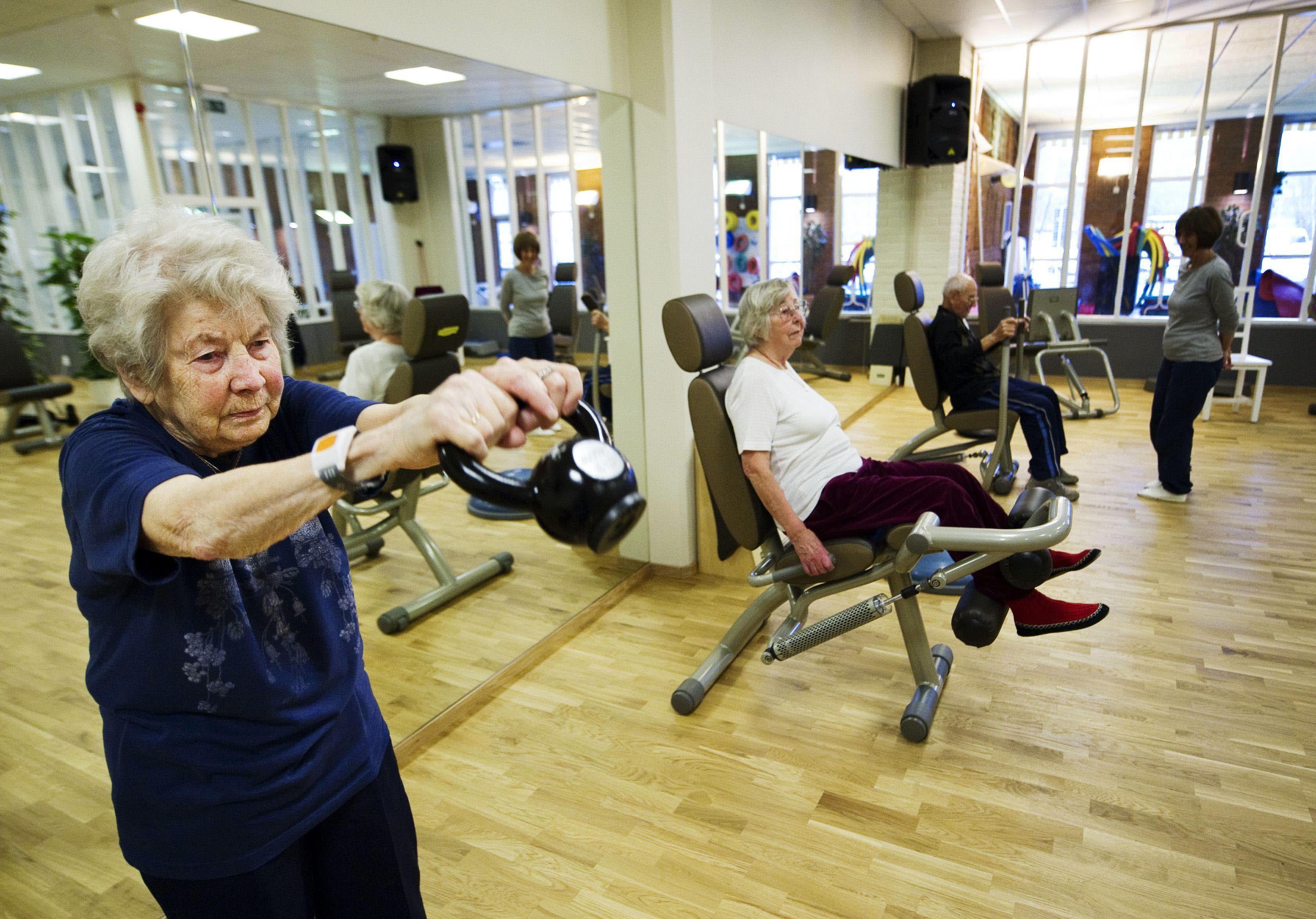 La mitad de los ancianos pierde masa muscular y fuerza