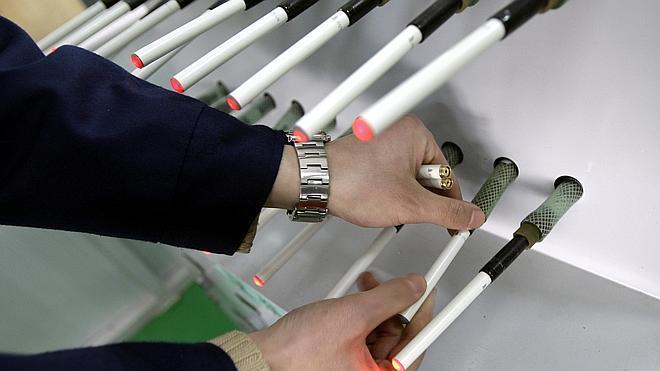 EE UU plantea prohibir la venta de cigarrillos electrónicos a menores