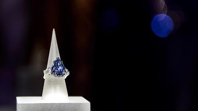 El mayor diamante azul del mundo cuesta 17,2 millones