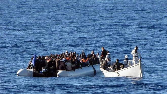 Rescatados 674 inmigrantes y localizados 400 en aguas del Canal de Sicilia