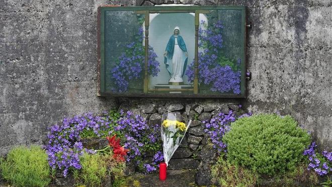Las madres podrían estar enterradas junto a sus bebés en la fosa irlandesa