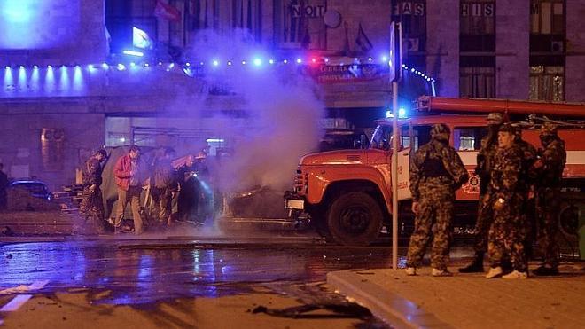La explosión del coche del líder separatista de Donetsk deja tres muertos