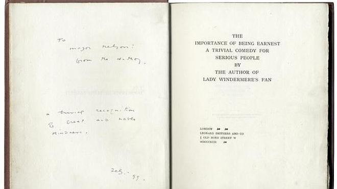 Un libro dedicado por Oscar Wilde alcanza los 69.000 euros