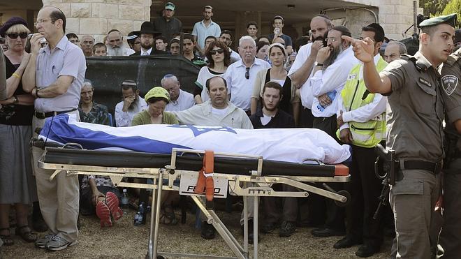 Miles de israelíes participan en funerales por adolescentes asesinados