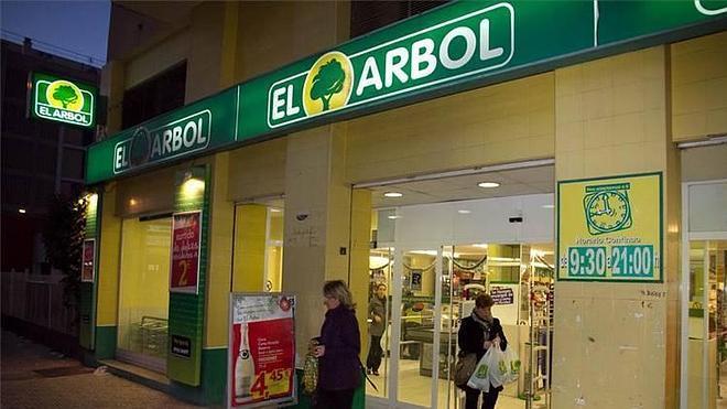 Dia crece en España con la compra de los supermercados El Árbol