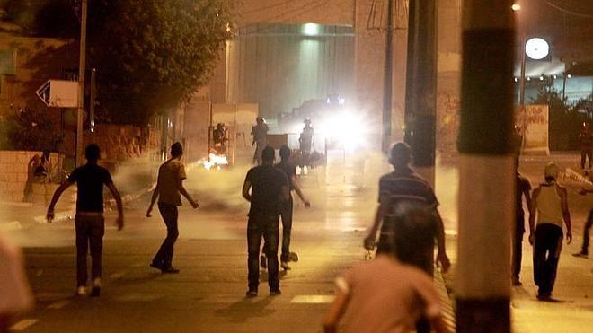 Heridos diez palestinos en bombardeos nocturnos sobre Gaza