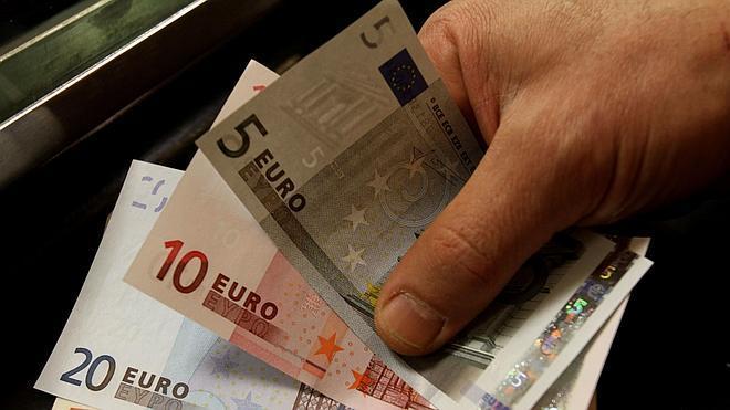 El Tesoro coloca 4.510 millones a tipos más bajos