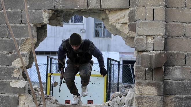 Reino Unido planeó entrenar y equipar un Ejército para combatir al régimen sirio