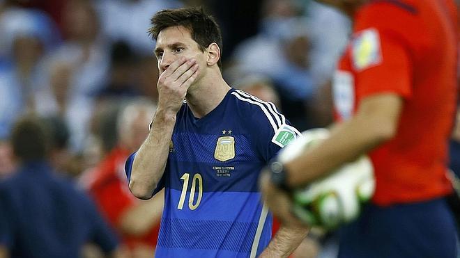 La Justicia ve «indicios suficientes» para que Messi se siente en el banquillo