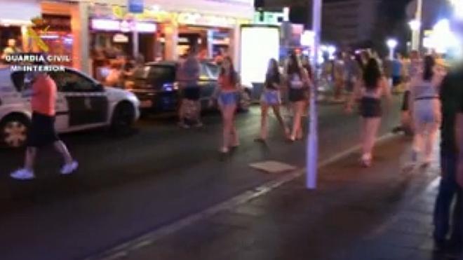 Veinte detenidos en Magaluf por estafar a turistas clonando sus tarjetas en clubs de alterne