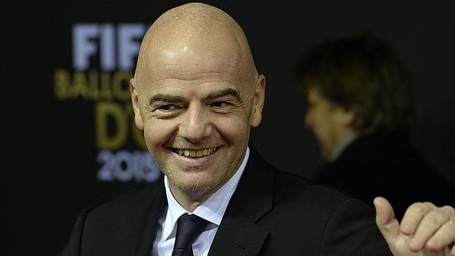 Infantino tiene el apoyo de Figo para las elecciones de la FIFA