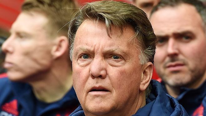 Van Gaal entreabre la puerta de Old Trafford a Mourinho