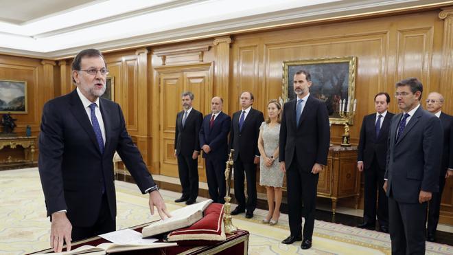 Rajoy jura como presidente y deja de estar en funciones