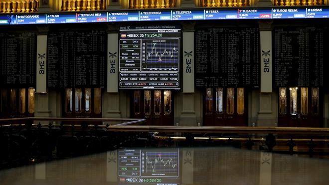 El Ibex recupera lo perdido el lunes, pero no reconquista los 9.400 puntos