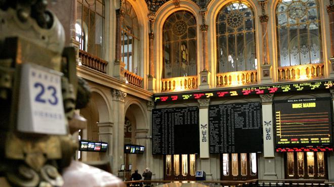 El Ibex-35 baja un 0,10% y pierde los 10.000 puntos
