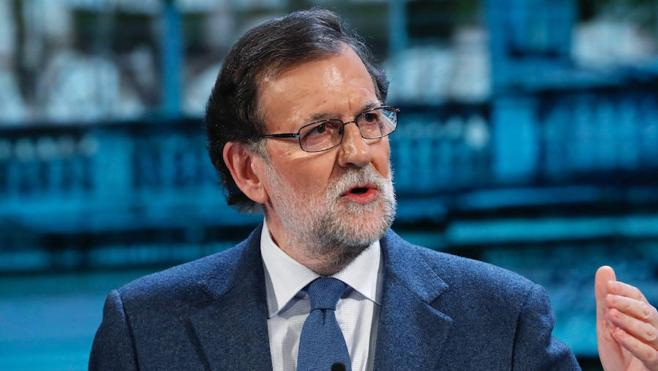 Rajoy advierte a ETA de que no conseguirá nada a cambio del desarme