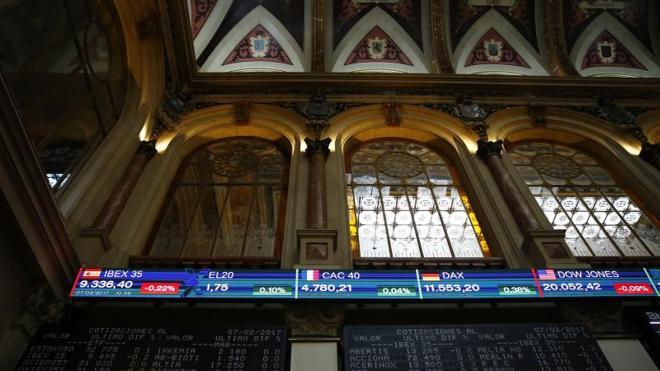 Las elecciones francesas no frenan al Ibex-35 y cierra en los 10.377 puntos