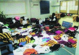 La Policía Local requisa más de 500 prendas falsificadas durante una macrorredada
