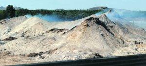 El incendio en una planta de reciclaje continúa activo después de 28 días