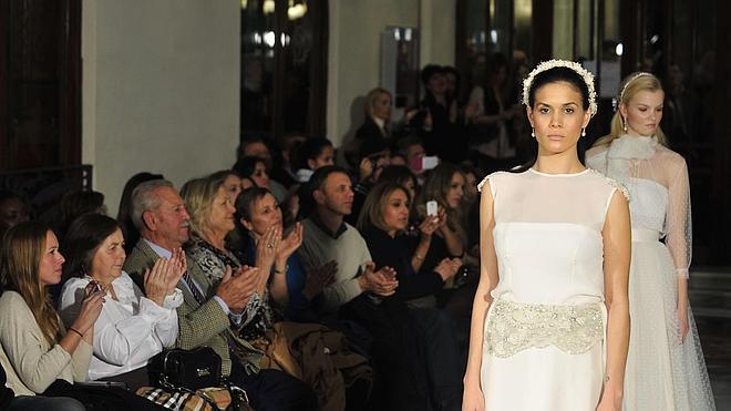 La diseñadora murciana, Paula del Vas, crea junto con otros diseñadores españoles la Asociación 'Costura España'