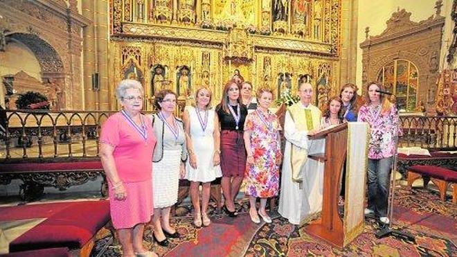 Acto de bienvenida a las nuevas damas de la Fuensanta en la Catedral