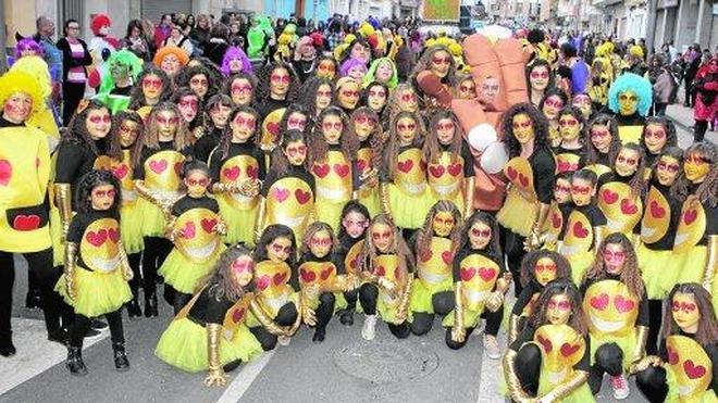 Los niños toman el desfile de Carnaval